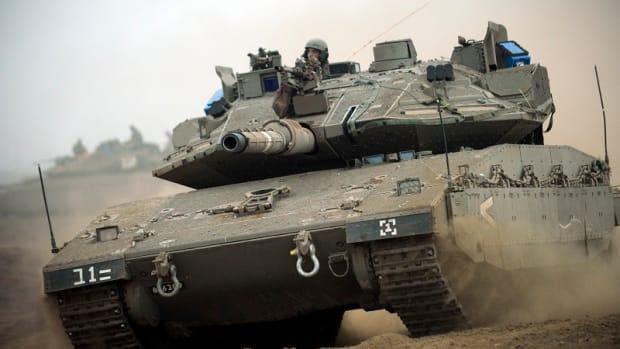 Flickr_-_Israel_Defense_Forces_-_Storming_Ahead