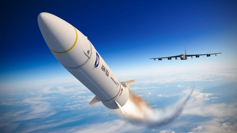 Air Force to Arm B-52 for Hypersonic Attack by Next Year