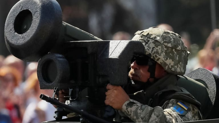 U.S. Sends Javelin Anti-Tank Missiles to Front Lines Against Russia
