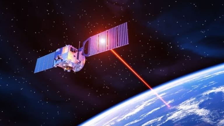 Pentagon Reviewing New Antenna Technology for a Weapons Advantage in Space