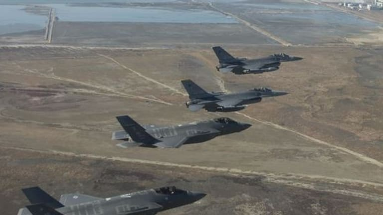 Special Feature: Pilot Intv. - Flying the Stealth F-35