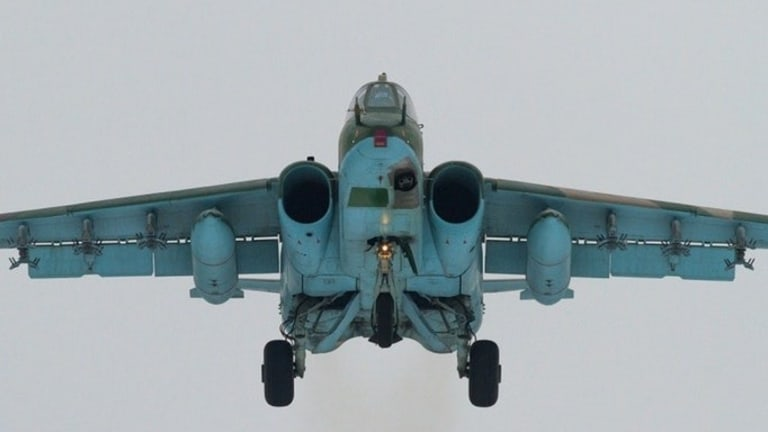 """Russia's """"A-10 Like"""" Su-25 Frogfoot vs US Air Force A-10"""