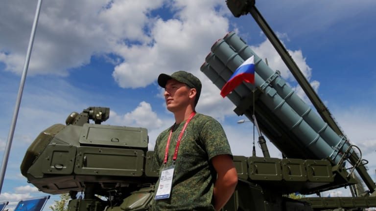 Russian Army Displays its Best Weapons
