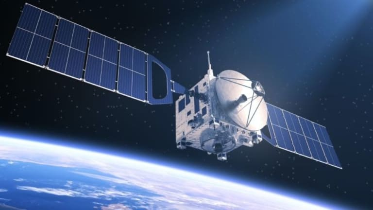 Pentagon Fast-Tracks New High-Tech Satellites for Space War
