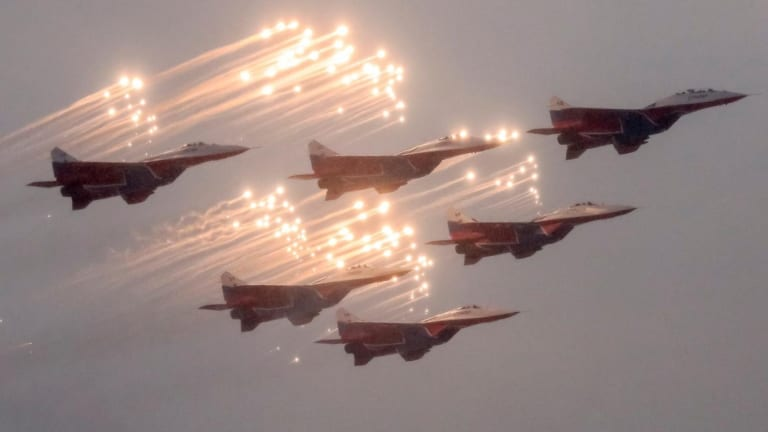 This is What It Was Like to Fly a Russian MiG-29 Fighter