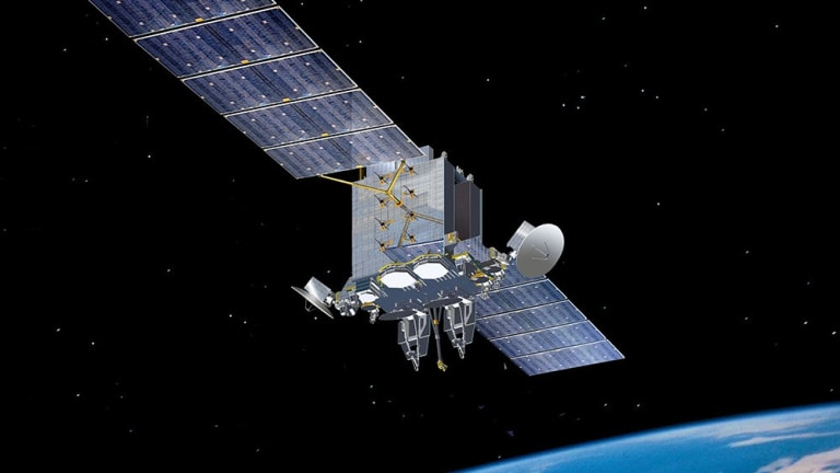 Army Seeks Thousands of High-Speed, Low Earth Orbit Satellites For Ground Attack