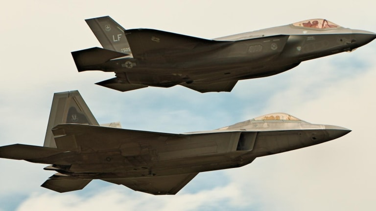 The F-22 and F-35 Both Suffer from One Big Problem