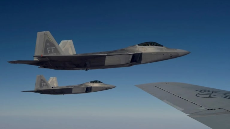 """F-35 & F-22 Share Data While Preserving Undetectable """"Stealth Attack"""" Mode"""