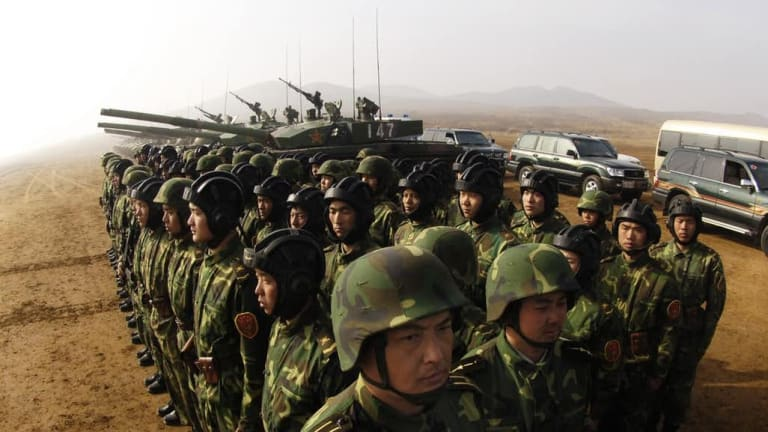 What Might Happen in a War Between the U.S. and China?
