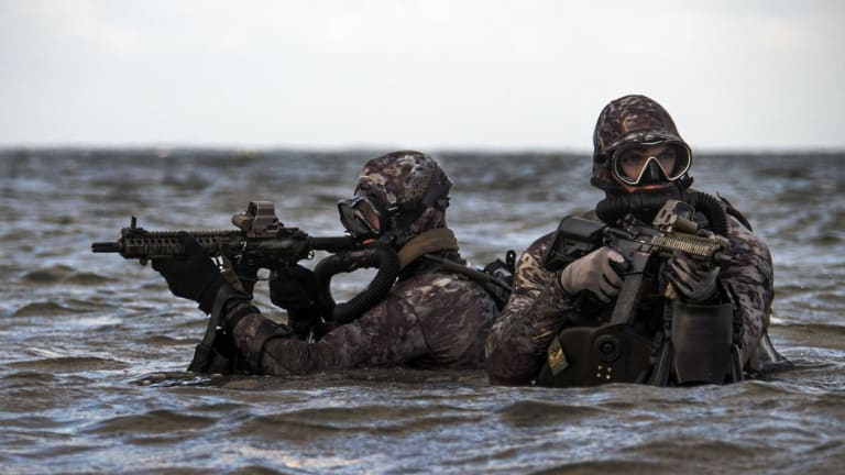 How the U.S. Navy SEALs Would Go To War Against Iran