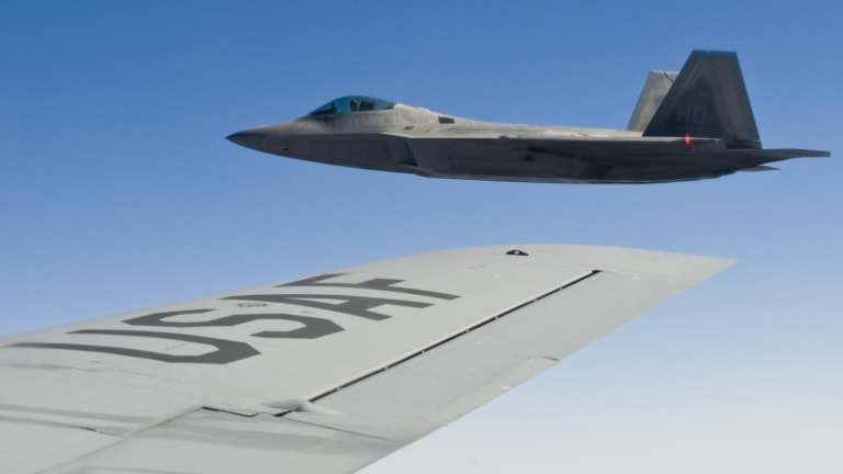 How Russia Plans to Shootdown an F-22, F-35 or B-2 Stealth Bomber