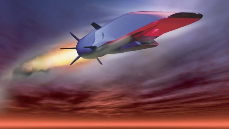 """Pentagon Develops New Weapons to Stop """"Near-Space"""" Hypersonic Missile Attacks"""