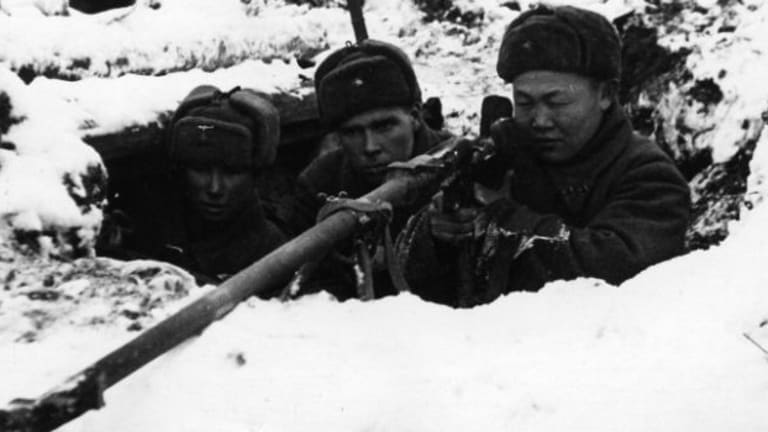WW II Soviet Paratroopers Fought  Behind the Lines in Freezing Temperatures