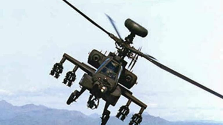 Apache Helicopter Attack Pilots Can Now See 2 Drone Video Feeds at Once