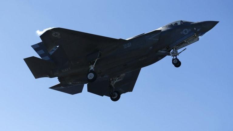 Navy Pilots Pass TOP GUN With F-35C