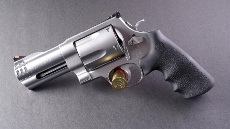 Smith & Wesson 500: The Gun That Has As Much Firepower As a Rifle