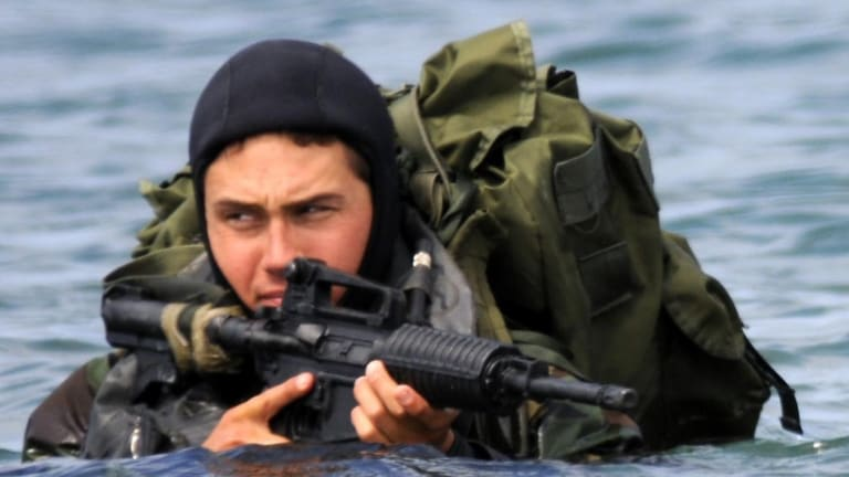 Check Out the U.S. Navy SEALs Deadly Underwater Guns