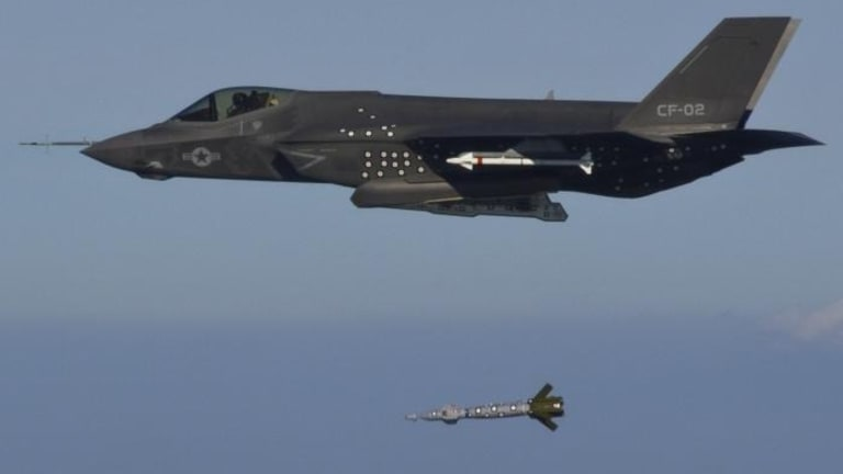 F-35, F-22 Artificial Intelligence to Control Drones in the Air