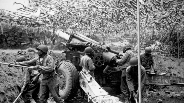 Five Army Combat Moments: A Century of War - Nazis, Berlin Airlift, Desert Storm