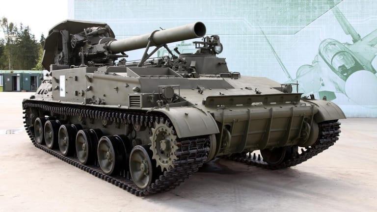 "Russia is Bringing Back Its Cold War ""God of War"" Heavy Artillery"