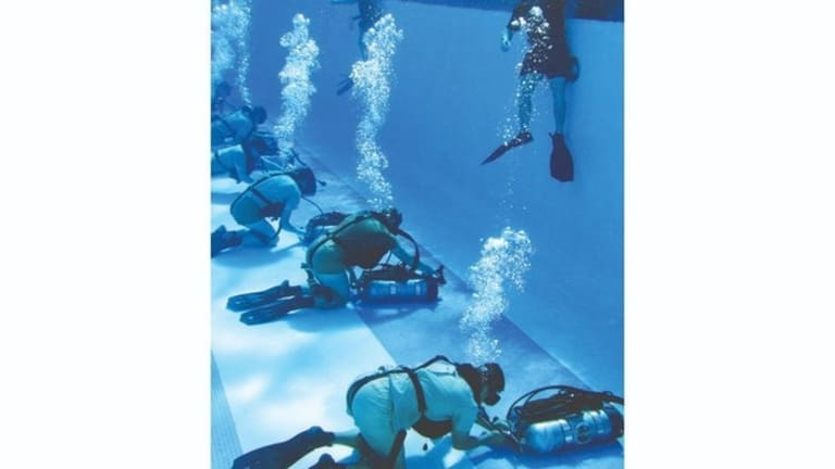 Watch Army Special Force Prep for Undersea Attacks