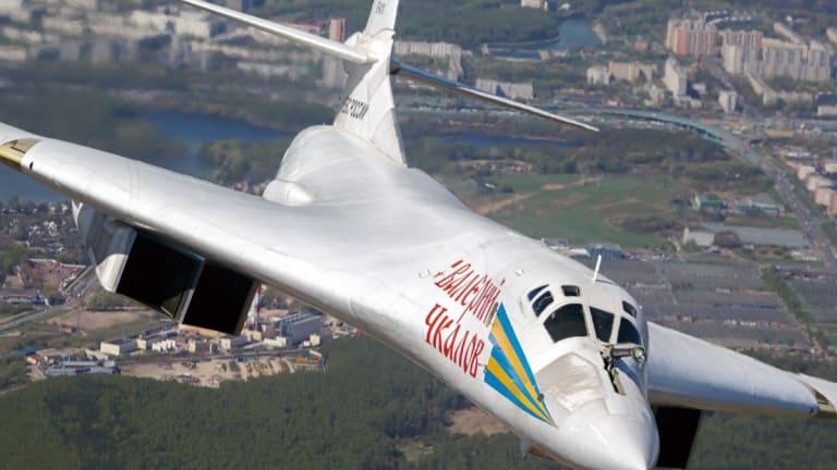5 Ways Russia Would Crush China in a War