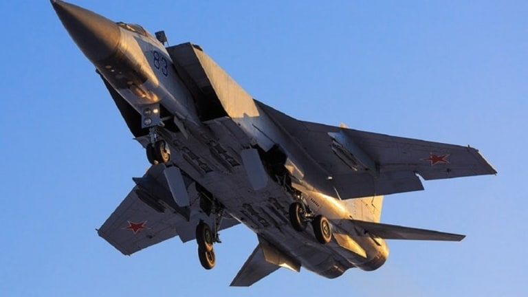 Russia Just Fired a Hypersonic Missile from a MiG-31 Fighter