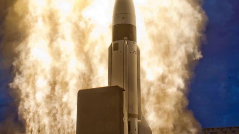 Pentagon Prepares Ship-Fired SM-3 Missile to Destroy ICBMs