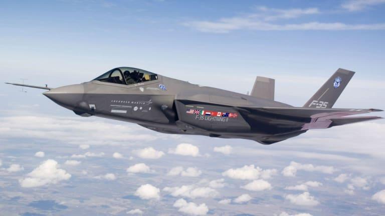 Navy Adjusts Amphibs for F-35B Strike Fighter