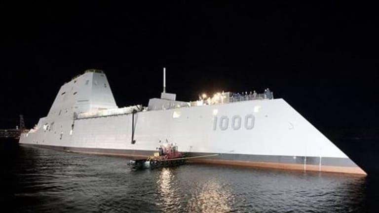 Zumwalt vs. a Russian Battlecruiser: Who Wins?