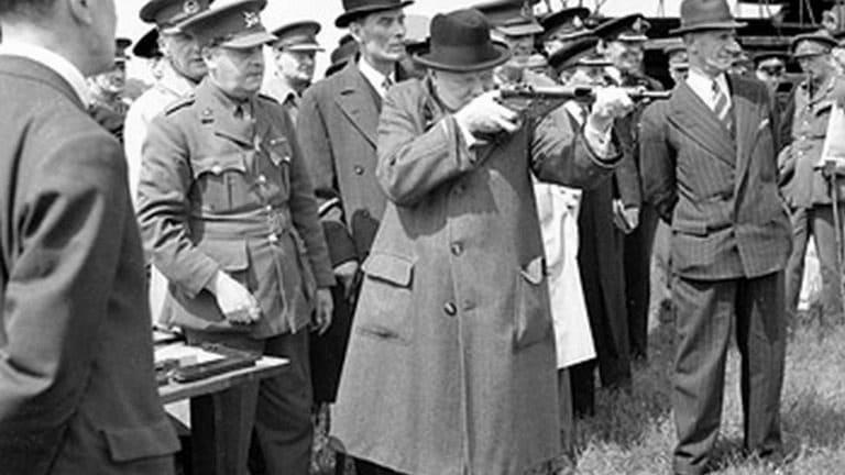 How a Lesser Known Sten Gun Attacked Nazis in WWII