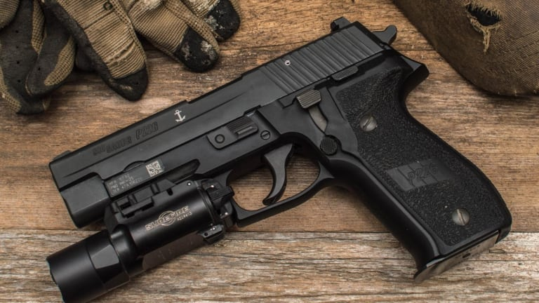 Glock vs. Sig Sauer: Glock 17 vs. P226