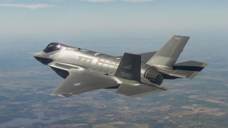"""Russia Thinks Stealth Fighters Like the F-22 and F-35 are """"Paper Fiction"""""""