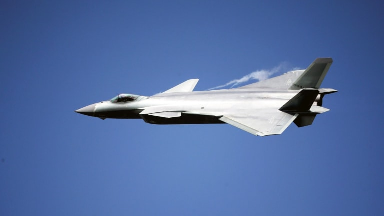 The Stealth Chinese J-20 vs US F-35 & F-22