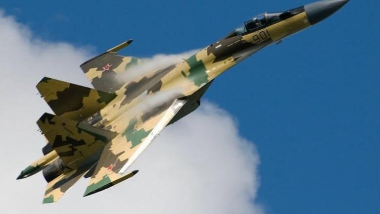 America's F-15 Eagle vs. Russia's Su-35 Fighter: Who Wins?