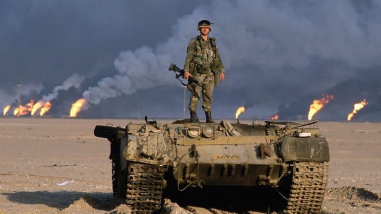 Gulf War War Story: F-16C Pilot Attacks Iraqis - Saves Green Berets