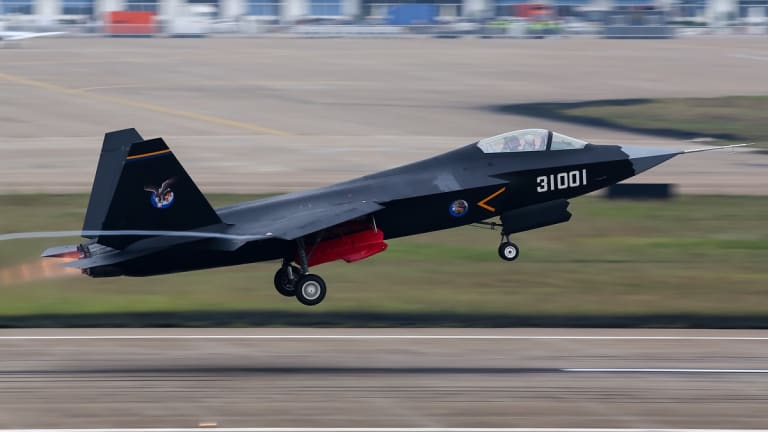 """The Chinese J-31 5th-Gen Stealth Fighter May Be a Total U.S. F-35 """"Rip-Off"""""""