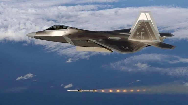 Massive New Video Shows New F-22 Maneuvers