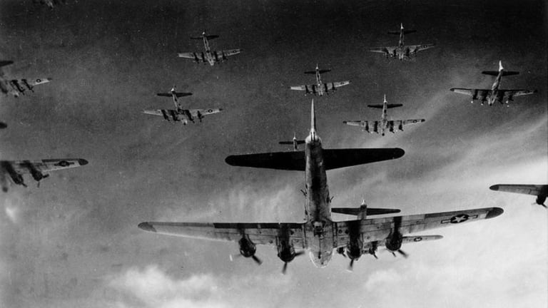 """B-17 Flying Fortress: Massive Air Force """"Big Week"""" Attack on Nazis"""