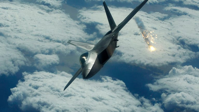 """Lawmakers Want to Make Sure F-35 is Not """"Cut"""" Like F-22 Was"""