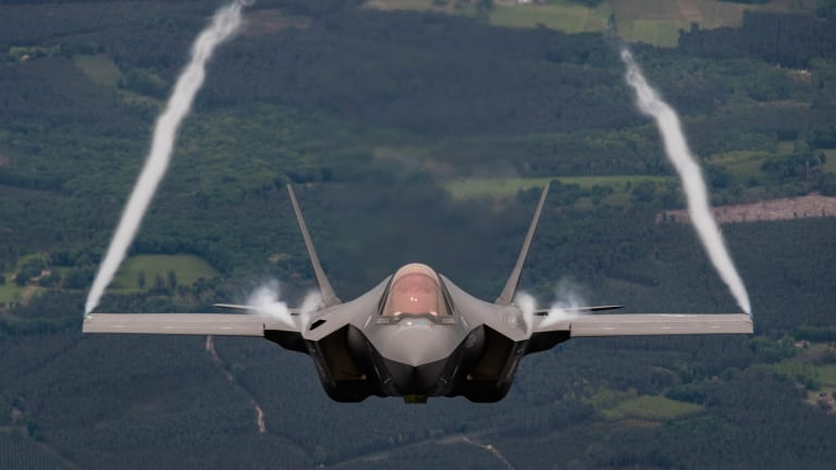 U.S. Air Force Retires 4th-Gen Fighters. F-35 & 6th-Gen Fighter Jets Increase