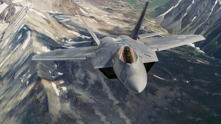 """U.S. Air Force """"Rapid Raptor"""" Program. F-22s Strike First Anywhere in World in 24hrs"""