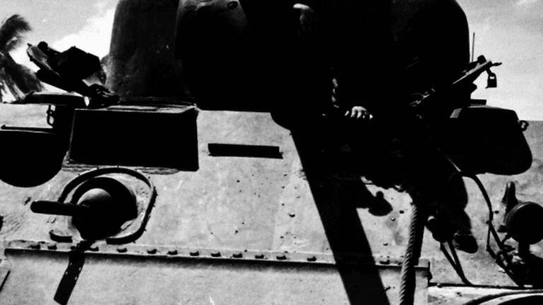Sherman Tanks Battled Banzai Charges at Tarawa