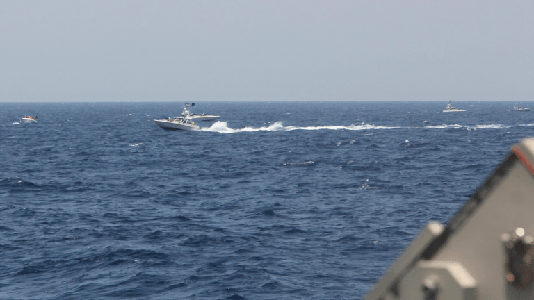 """Iranian """"Small Attack Boats"""" Provoke U.S. Warships in Persian Gulf, Hit with Warning Shots in Return"""