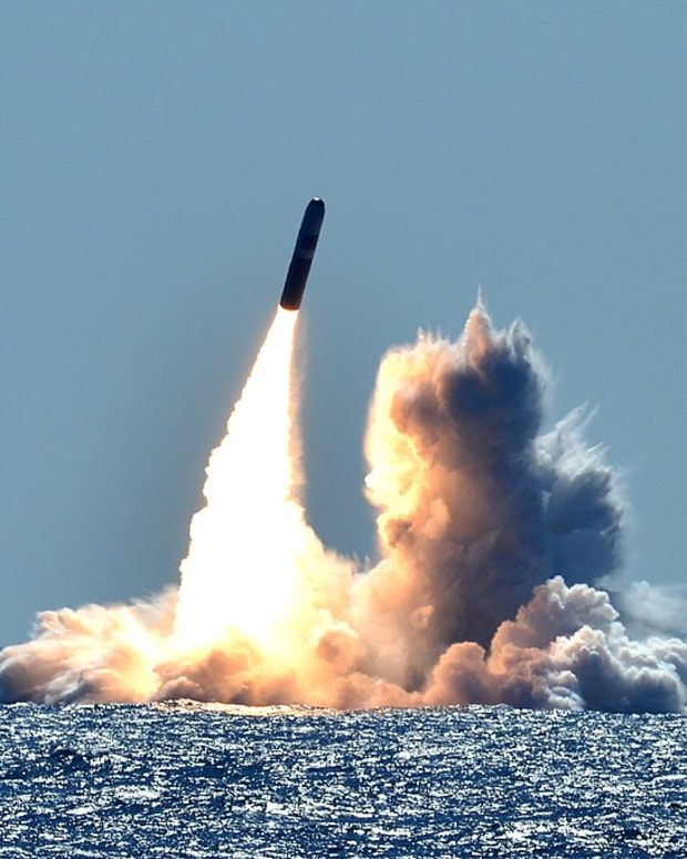 1024px-Trident_II_D5_launches_from_the_USS_Nebraska_(SSBN_739),_March_26,_2008