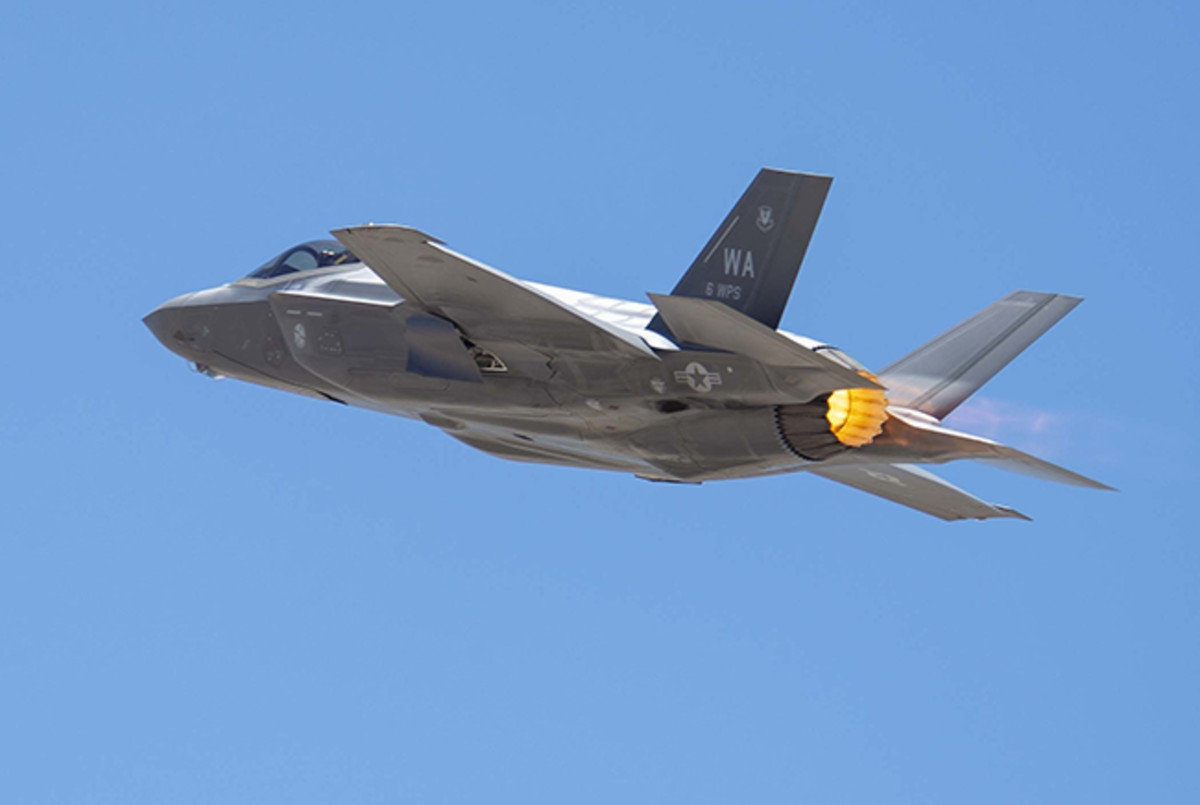 Air Force Retires 4th-Gen Fighters - Migrates to F-35 & 6th-Gen
