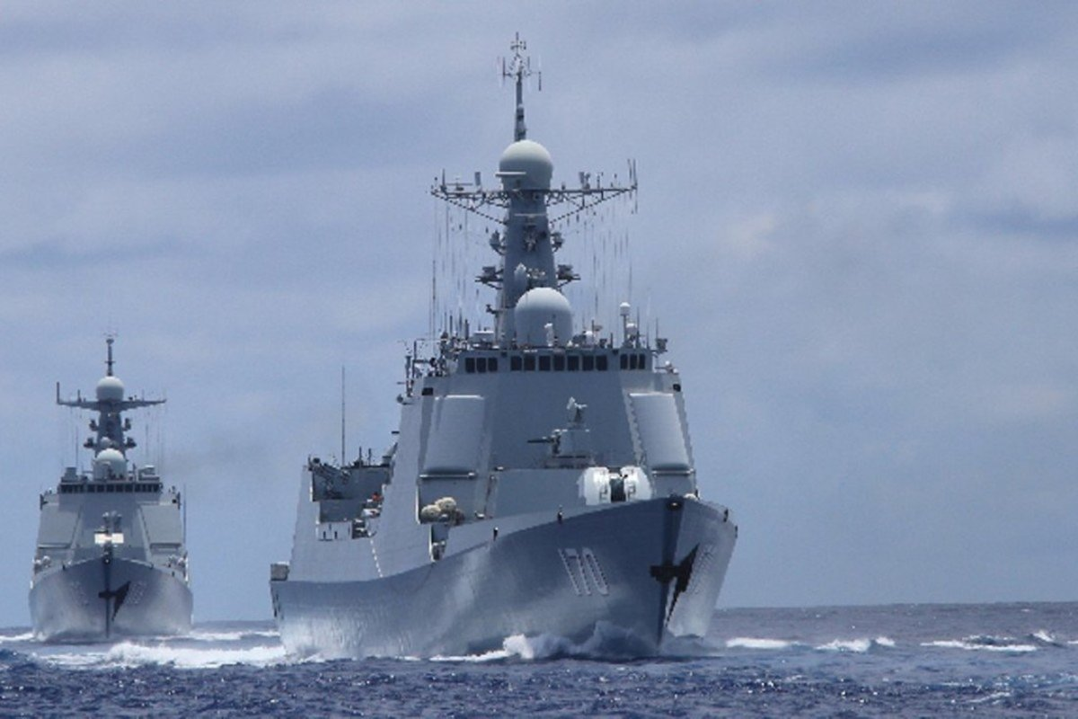 Guided-missile destroyers Lanzhou and Changsha