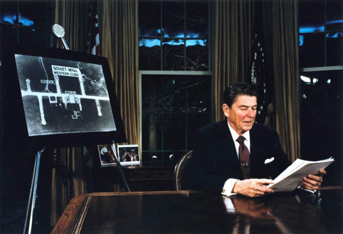 Reagan announces the Strategic Defense Initiative